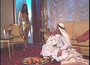 Vintage porn of dramatize expunge Venere Bianca with an arabian sultan