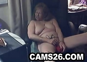 Beautiful granny with glasses 1 - Cams26.com