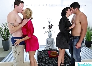 Bigtits milf Veronica with an increment of Alexis group massage sex