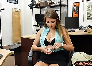Big tits babe screwed hard by horny pawn guy in the lead pawnshop