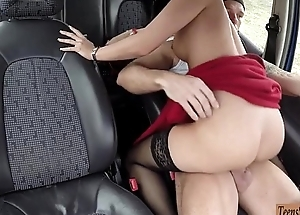 Hitchhiker Vicky Love banged by stranger in along to backseat