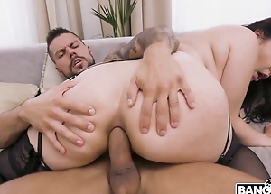 Awesome brunette blows broad in the beam flannel before anal fucking