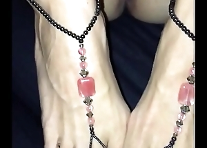 Sexy Teen Feet needs my cum at her toes